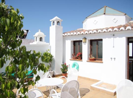 Fotos do Hotel: Easy Nerja Guesthouse