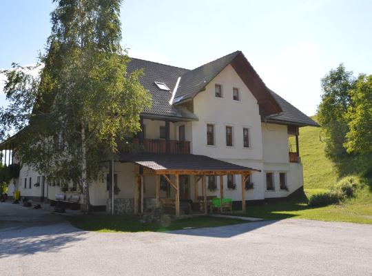Fotos de Hotel: Apartmens and Rooms Šoštar