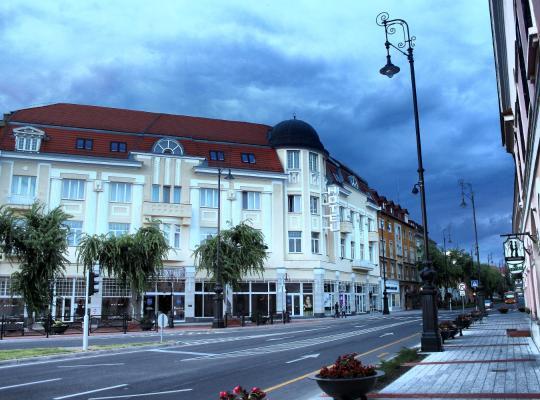 Képek: Hotel Central