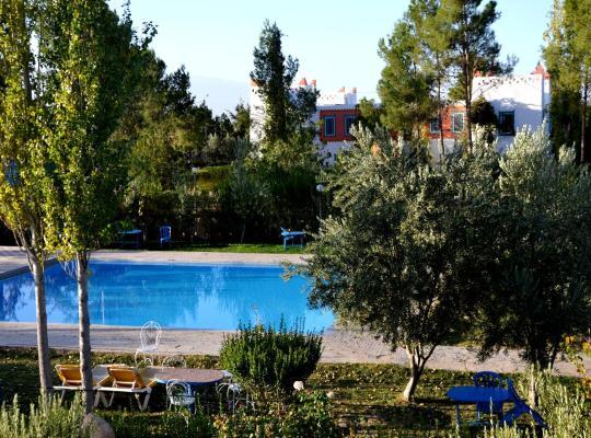 Φωτογραφίες του ξενοδοχείου: Riad Mimouna De Timnay