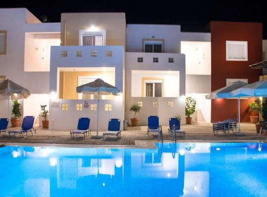 Foto dell'hotel: Gennadi Gardens Apartments & Villas