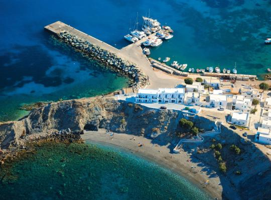 ホテルの写真: Vardia Bay Studios
