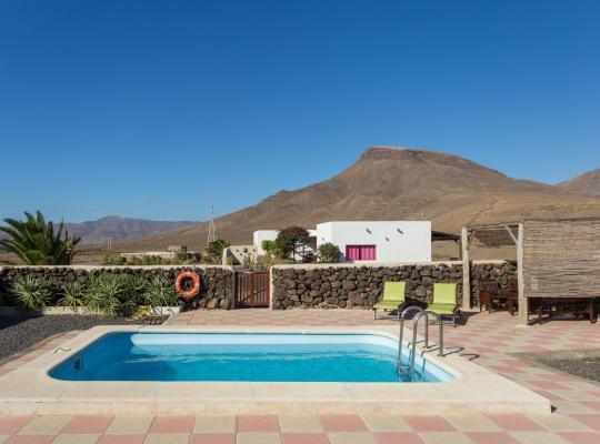 Hotel foto 's: Casa Pilar, Aurora y Tarabilla en Finca Ecológica