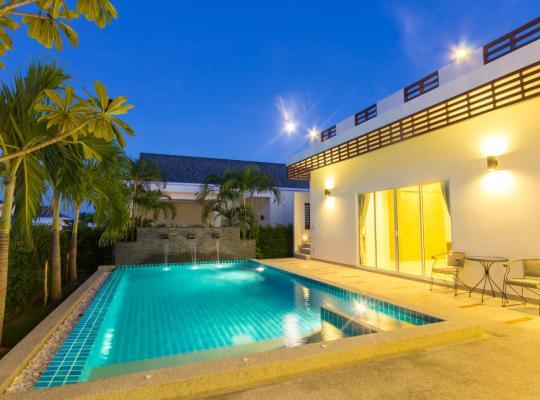 Hotel photos: Luxury House in Hua Hin