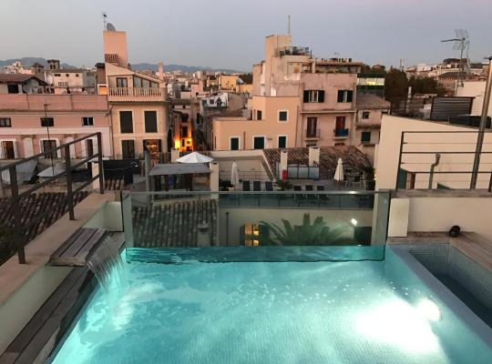 Фотографии гостиницы: Petit Palace Hotel Tres