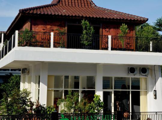 Hotel photos: Malang Hill Gallery & Homestay