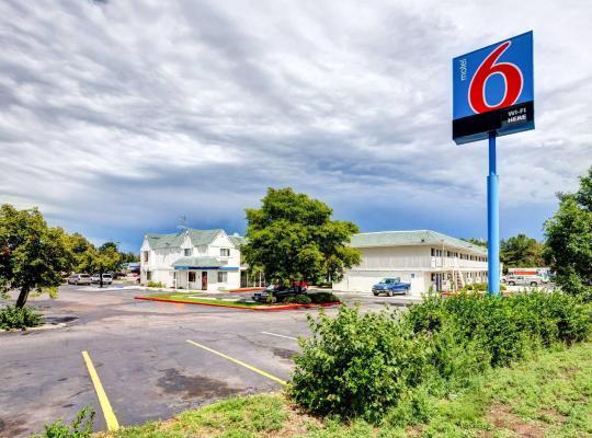 Хотел снимки: Motel 6 Denver West Wheat Ridge - North