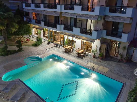 酒店照片: Syrtaki Hotel