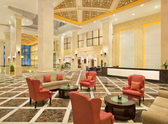Otel fotoğrafları: DoubleTree by Hilton Dhahran