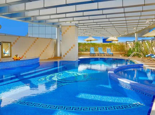 Φωτογραφίες του ξενοδοχείου: City Seasons Hotel Dubai