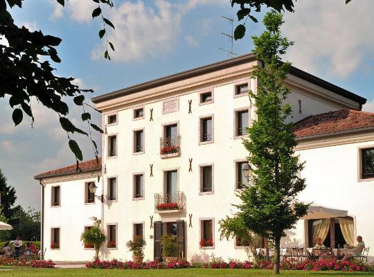 תמונות מלון: Hotel Villa Dei Carpini