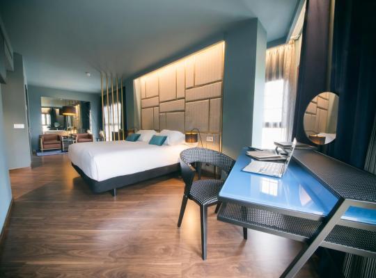 होटल तस्वीरें: Pamplona Catedral Hotel