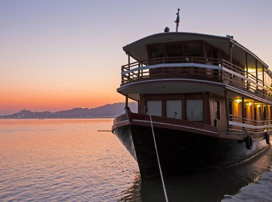 Hotel photos: RV Mingun- Private Charter(Mandalay-Myint Kan Gyi (Irrawaddy Dolphins)-Mingun-Ava@Innwa-Mandalay ) 4 Days -3Nights Program