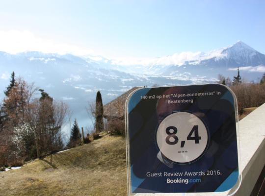 """ホテルの写真: 140 m2 op het """"Alpen-zonneterras"""" Interlaken / Beatenberg"""