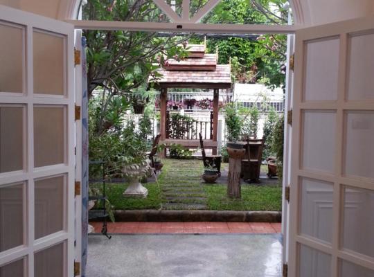 Fotografii: Chiangmai Singharat Road Villa