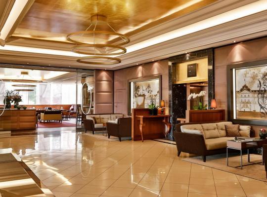 Hotel photos: Althoff Hotel am Schlossgarten