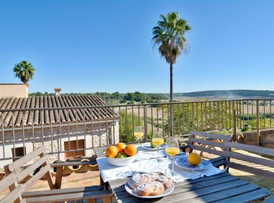 Fotos de Hotel: Mallorca town house with terrace