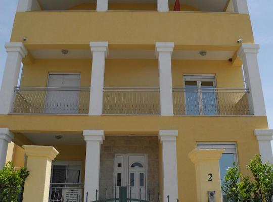 Hotel Valokuvat: Apartments Montenegrina