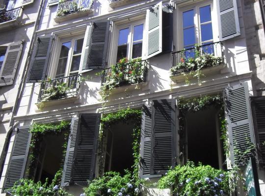 Фотографии гостиницы: Hôtel des Arceaux