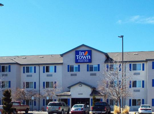 Хотел снимки: InTown Suites Southeast Aurora