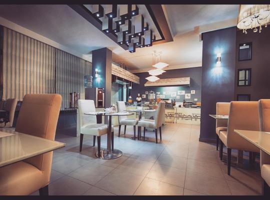 Otel fotoğrafları: Crystal Suites
