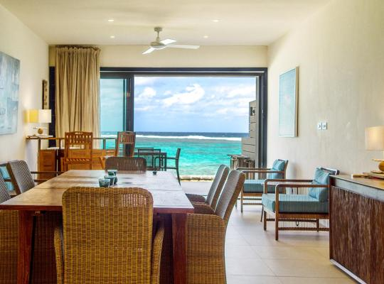 Fotos de Hotel: Coral Bay Beachfront Apartment