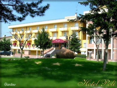 Otel fotoğrafları: Hotel Poli