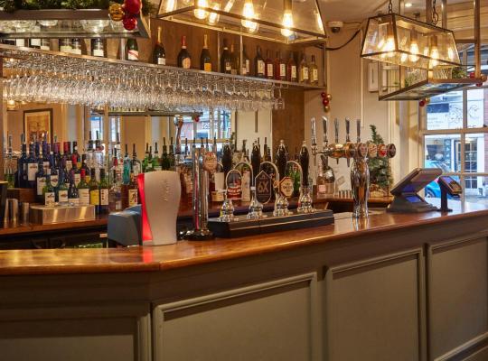 Фотографии гостиницы: Swan Hotel by Greene King Inns