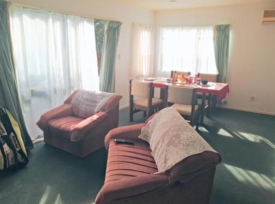 รูปภาพจากโรงแรม: Sunny Riversdale room