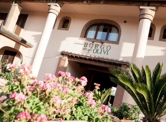 Φωτογραφίες του ξενοδοχείου: Hotel Borgo degli Olivi