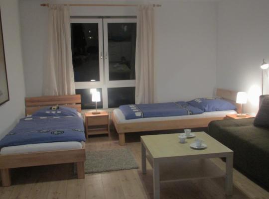 Photos de l'hôtel: Ferienwohnung am Schloß Eller - Further Straße