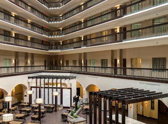 Hotel bilder: Embassy Suites by Hilton Dallas-Love Field