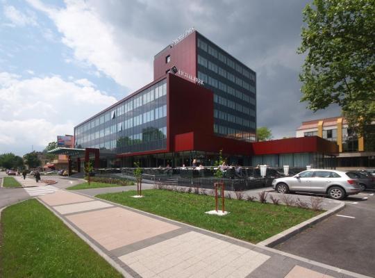 Otel fotoğrafları: Hotel Park Doboj