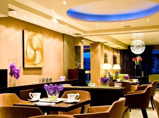 ホテルの写真: Flisvos Hotel Nafpaktos