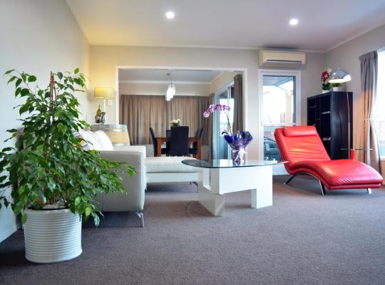 Fotos de Hotel: Awesome Vacation Home West Auckland