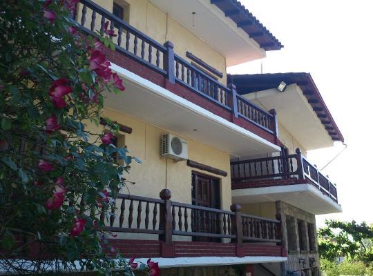 Otel fotoğrafları: Hotel Polydrosos