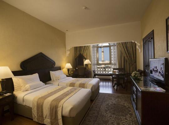 Viesnīcas bildes: Arabian Courtyard Hotel & Spa