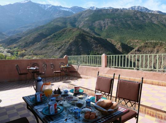 รูปภาพจากโรงแรม: Tamatert Guest House