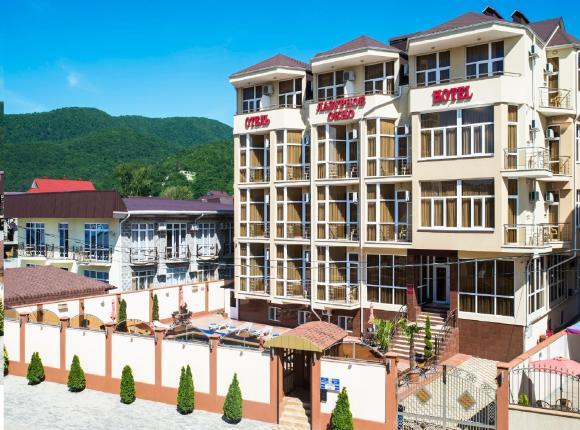 Гостиница Лазурное окно, Лазаревское