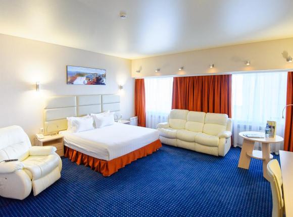 Отель Golden House, Магадан