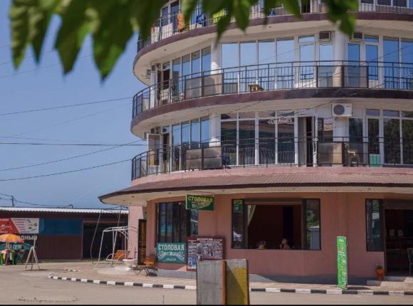 Отель Арлекино, Лермонтово