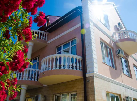 Гостевой дом Белый Дом, Лоо