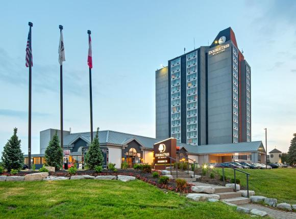 Doubletree by Hilton Toronto Airport, ON, Торонто