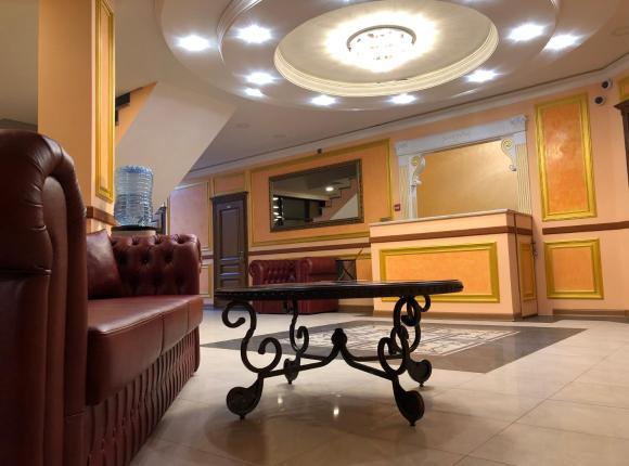 Hotel Central, Видное
