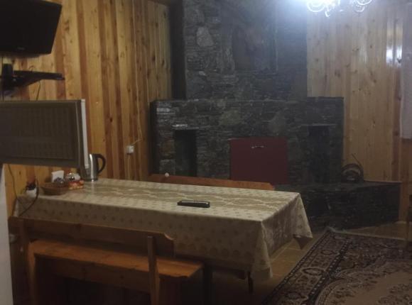 Лодж Дом у Высоцкого, Тегенекли
