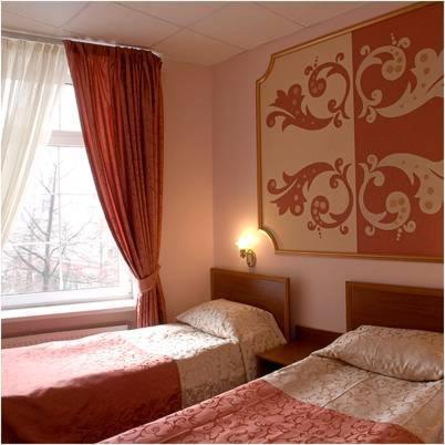Отель Альянс, Видное
