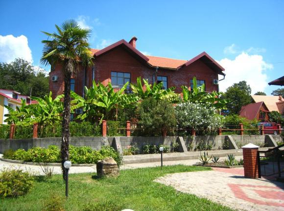 Курортный отель Пенаты, Лоо