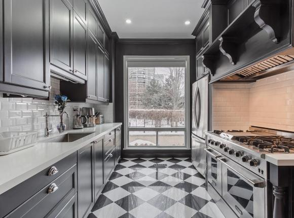 E Residential Luxury Rental, Торонто