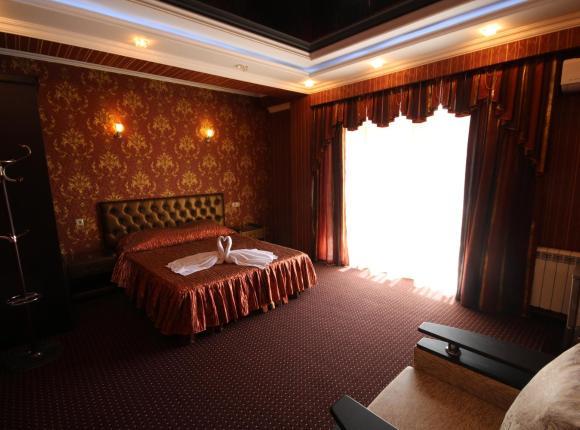 Отель Золотая Империя, Лазаревское