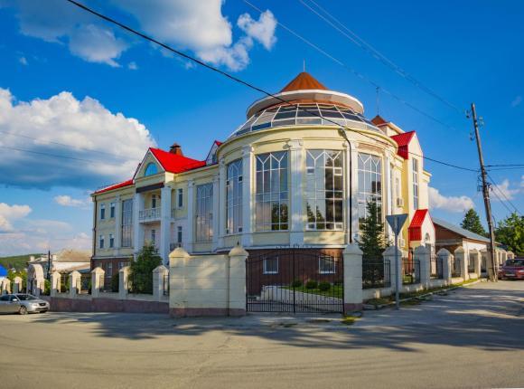 Отель «Смирновъ», Верхняя Сысерть
